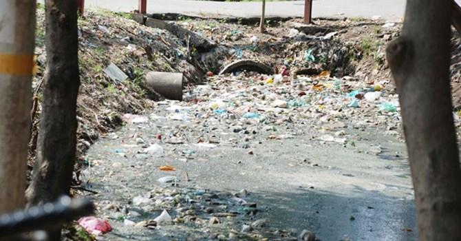 TPHCM: Làm cống hộp để khắc phục tình trạng xả rác bừa bãi của người dân